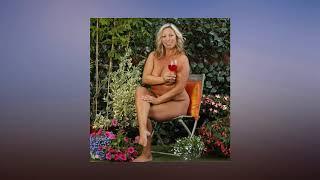 Naked sunbathing women give their views on enjoying the weather au naturel