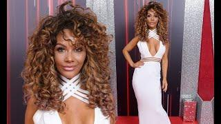 BBC News TV - Chelsee Healey oozes sex appeal at British Soap Awards