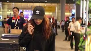 Actress Bhoomi Pednekar SPOTTED At Airport!!!