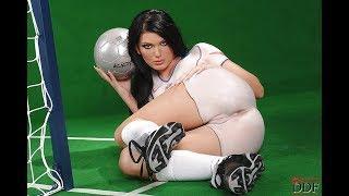 Голые в футболе  - Naked women in football ( 18+ )