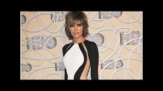 Celeb News: Lisa Rinna Completely Naked in Window Selfie to Celebrate 55th Birthday