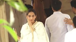 Celebs At Funeral Of  Krishna Raj Kapoor 2